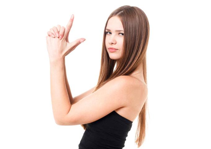 女性の前では感情的にならず冷静を保つべき4つの理由