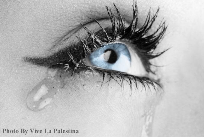 女性がすぐ泣く理由と正しい対処法