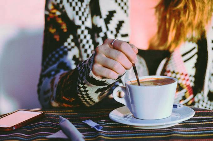 好きな女性の前で冷静になると恋愛がうまくいく理由と冷静になる方法